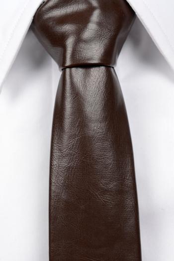 Smal Slips i Läder - Matt brun, ådrig struktur. - Notch ROY