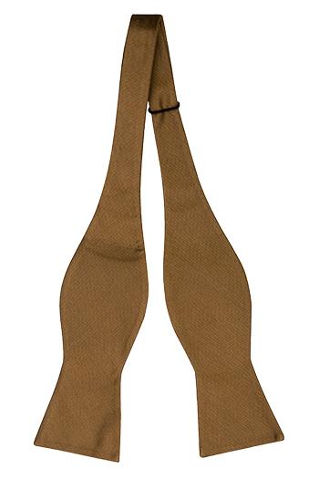 Oknuten Fluga i Siden - Enfärgat, vävt Jacquardsiden i bronsbrunt