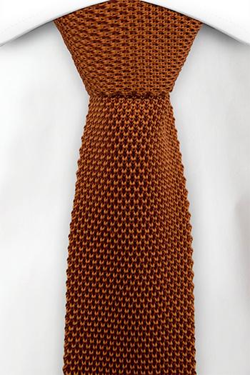 Smal Slips i Stickat - Orange mosstickning med rak nederdel