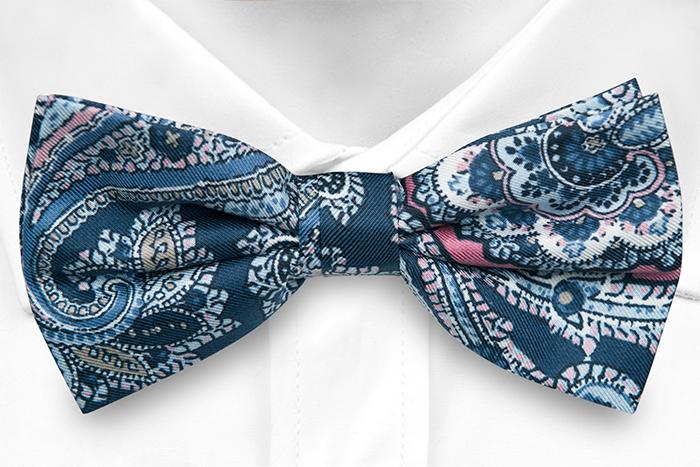Knuten Fluga i Siden - Stor, vacker paisley i blå, röd, rosa & vit