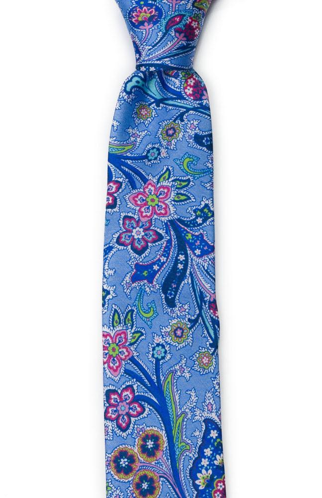 Smal Slips i Siden - Surrealistiska, flerfärgade blommor på mellanblått