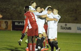 Worthing answer critics to get play-off push back on track