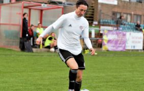 Worthing continue perfect league start with hard-fought win