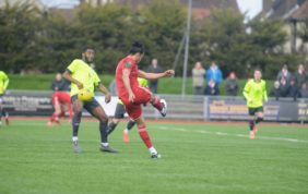 Worthing frustrated by the Scholars