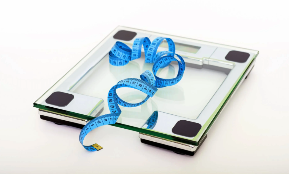 Women Over 40: How to Avoid Weight Regain After Dieting