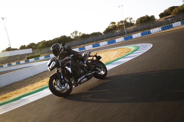 New Street Triple RS Dynamic 1