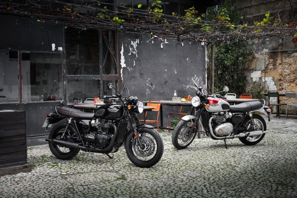 The new Triumph Bonneville T120 Black and T120