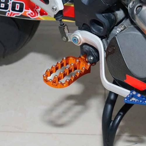 KTM LARGE FOOT PEGS3