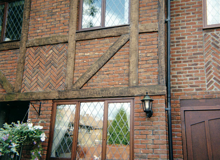 Tudor-Cladding-Jacobean-Oak