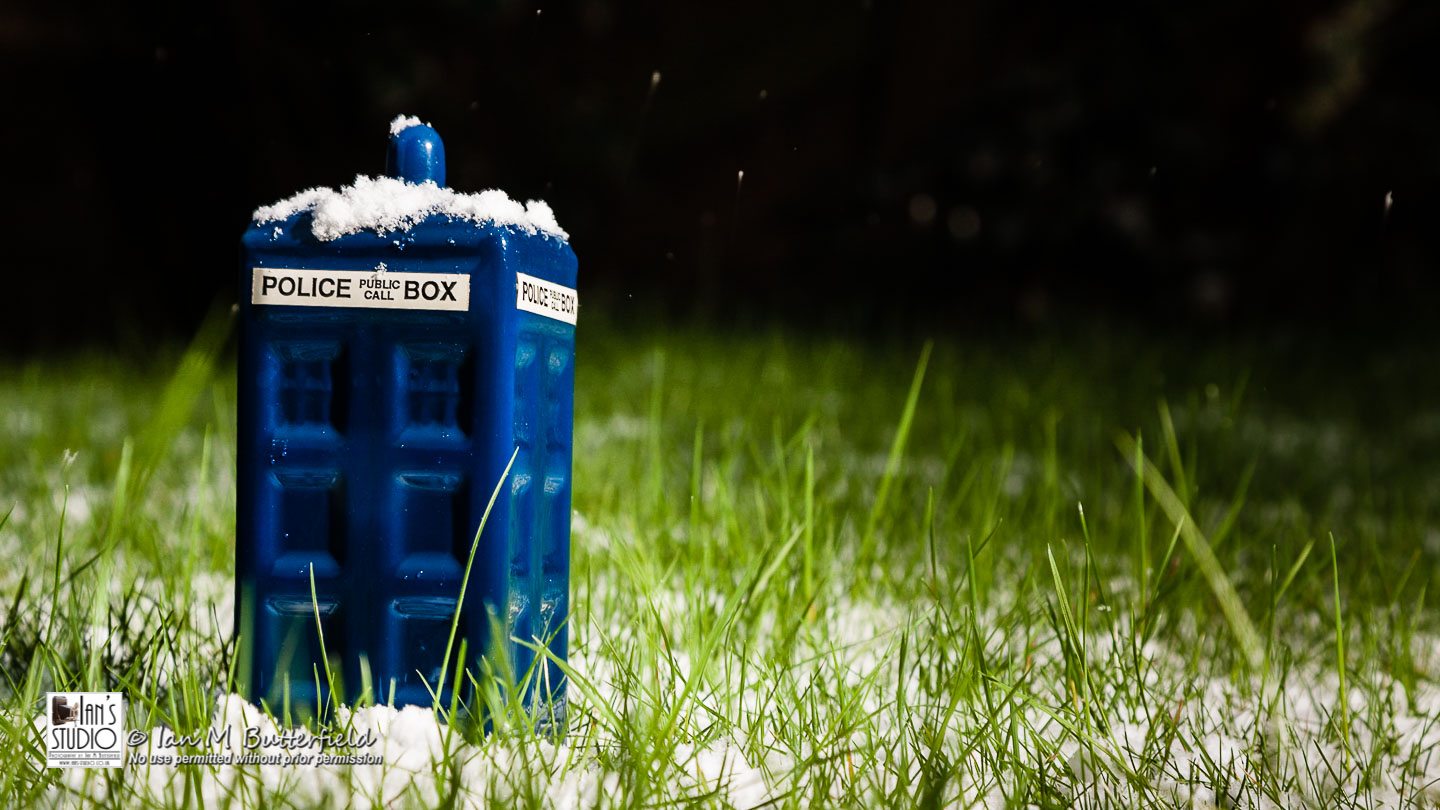 ACADEMY BITE: Snow and Ice #9 – TARDIS in the Snow