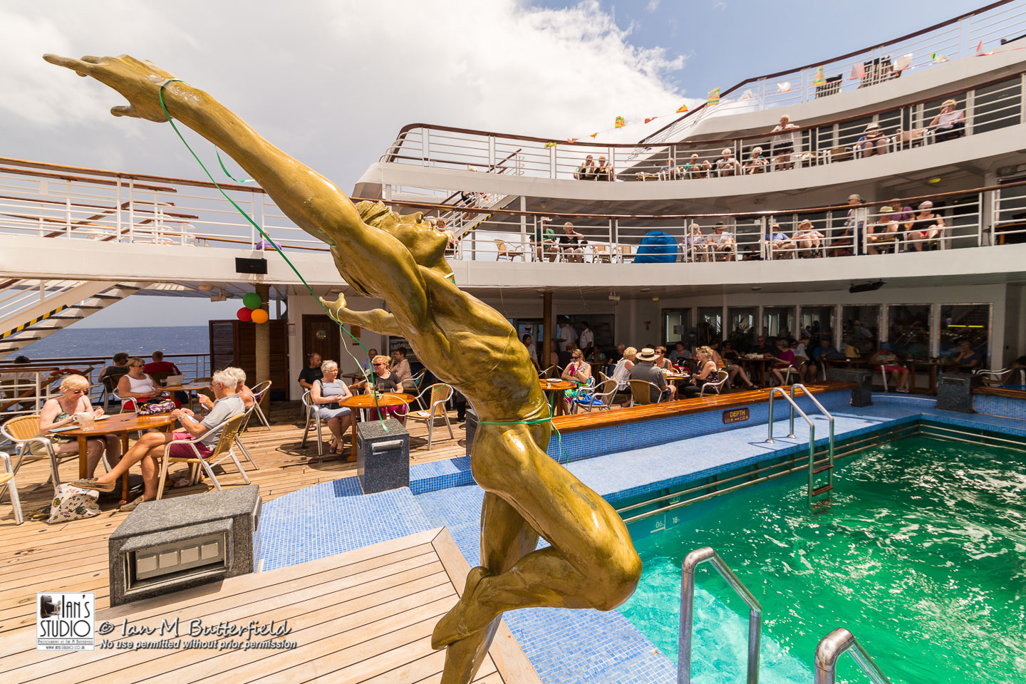 ACADEMY BITE: Lessons from the South America Cruise #14 – The swiming pool on MV Marco Polo