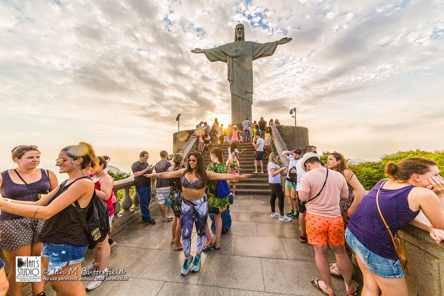 ACADEMY BITE: Lessons from the South America Cruise #22 – Crowds at Christ the Redeemer
