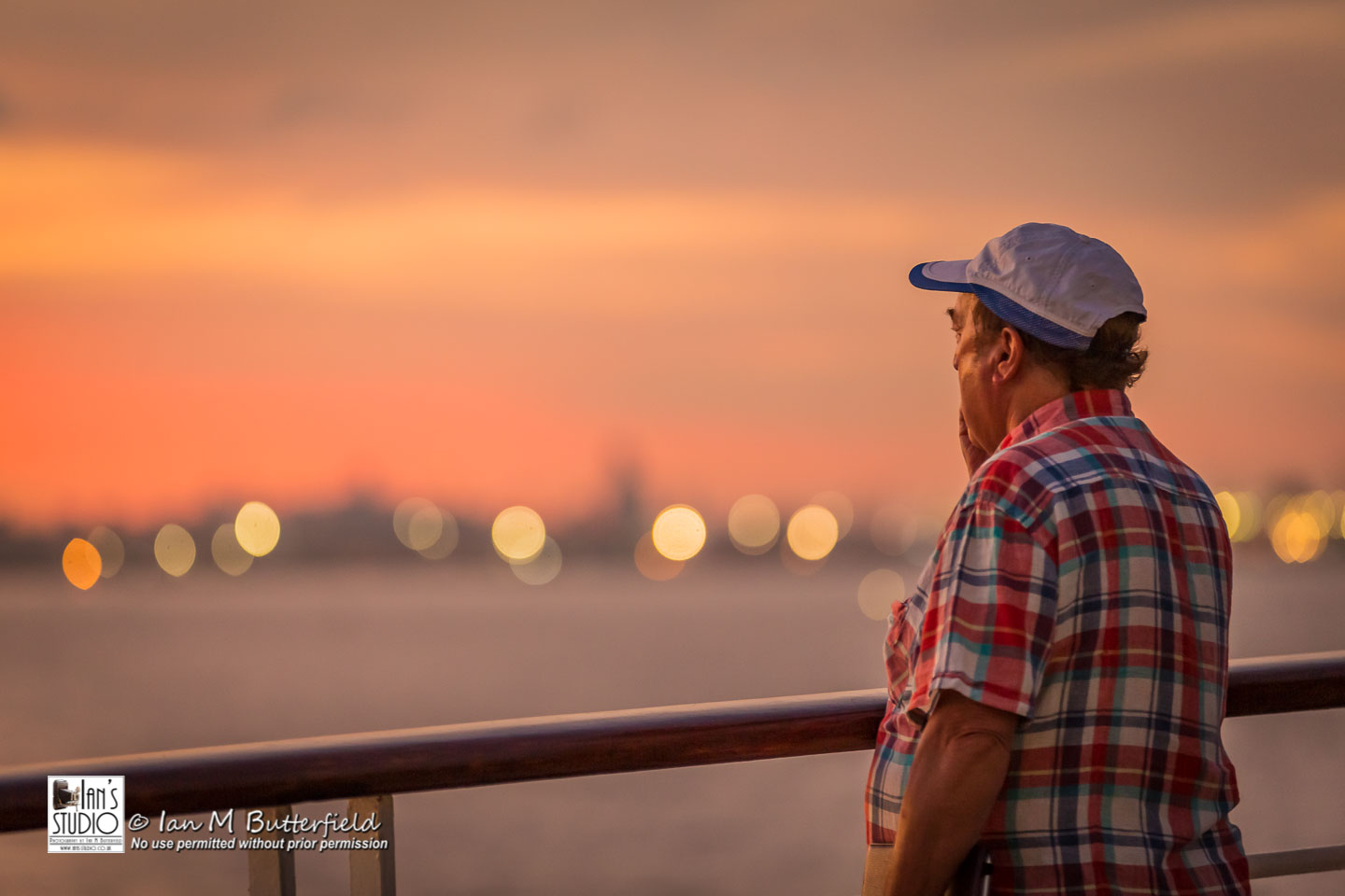 ACADEMY BITE: Lessons from the South America Cruise #27 – A cruise passenger watches the sun setting over Buenos Aires