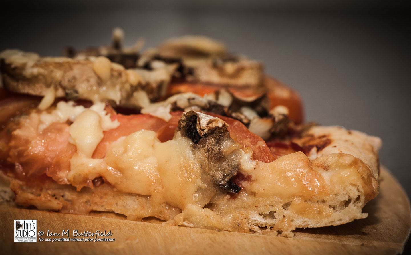 ACADEMY BITE: Photo shoots at home #3 – Home-made pizza