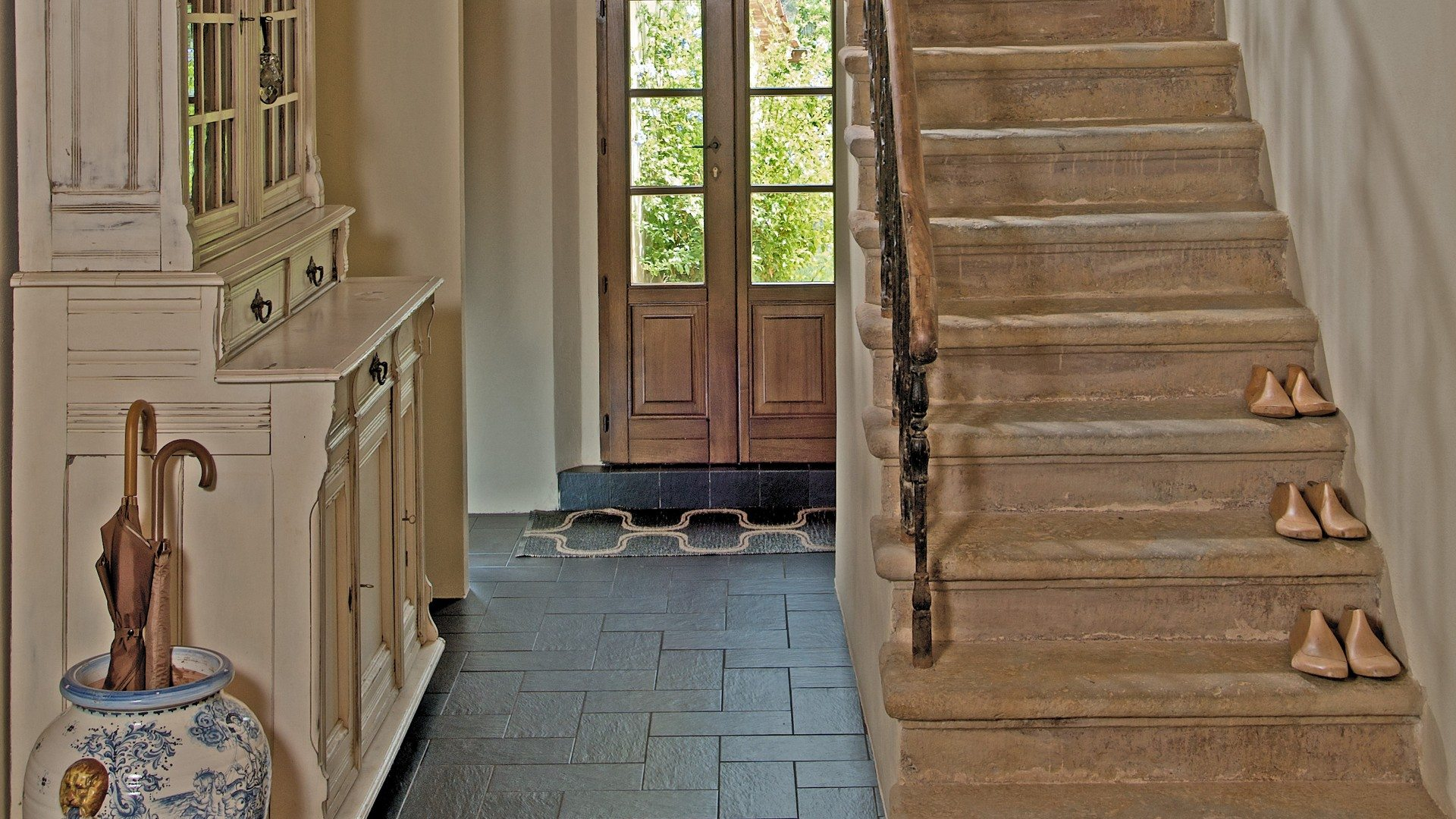 Luxury-Farmhouse-Italy-Papavero-Villa-Rentals-UltraVilla