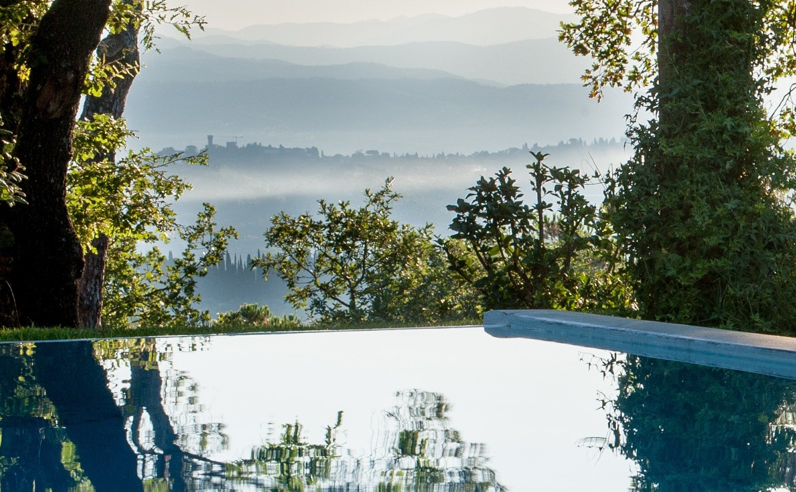 UltraVilla-The-Best-In-Italy-Villa-Tavernaccia-Infinity-Pool
