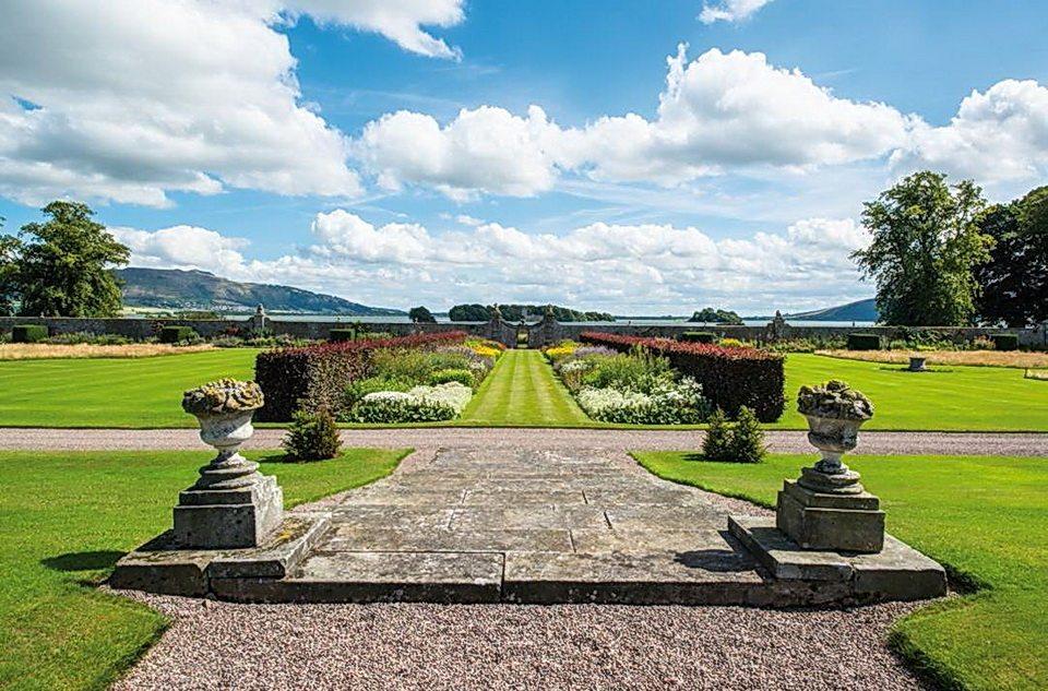 LTR-perthshire-mansion-loch-leven