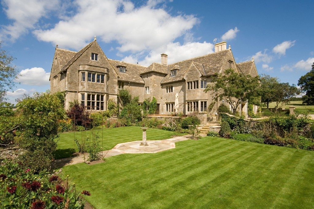 Cotswold-Manor-Exterior-1024x682