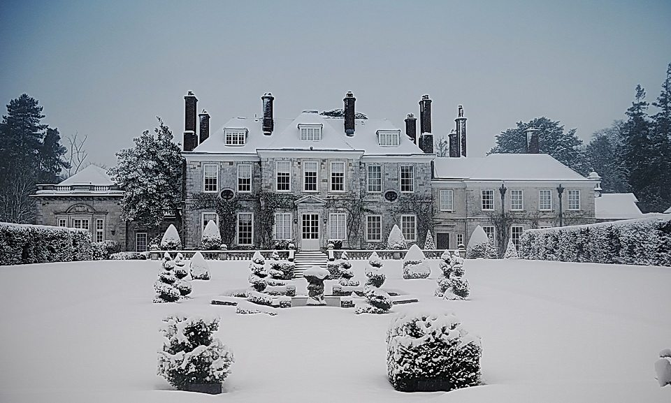 LTR-winchester-manor-house-thick-snow1