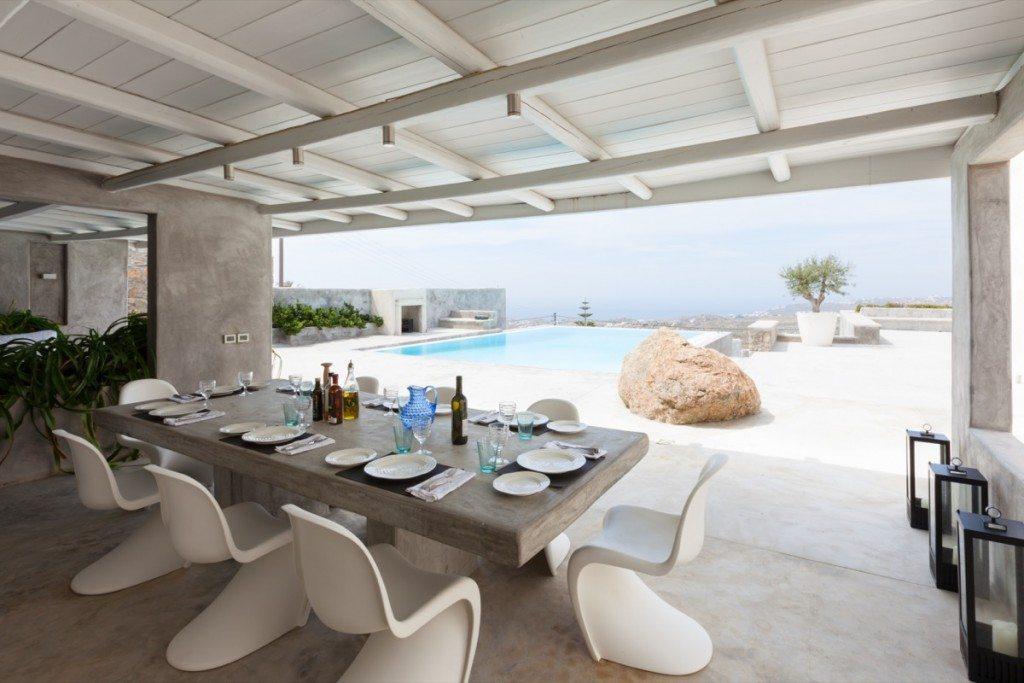 WhiteKey_VillaIsaoura_Mykonos_Pool_Day_Dining_01-1024x683