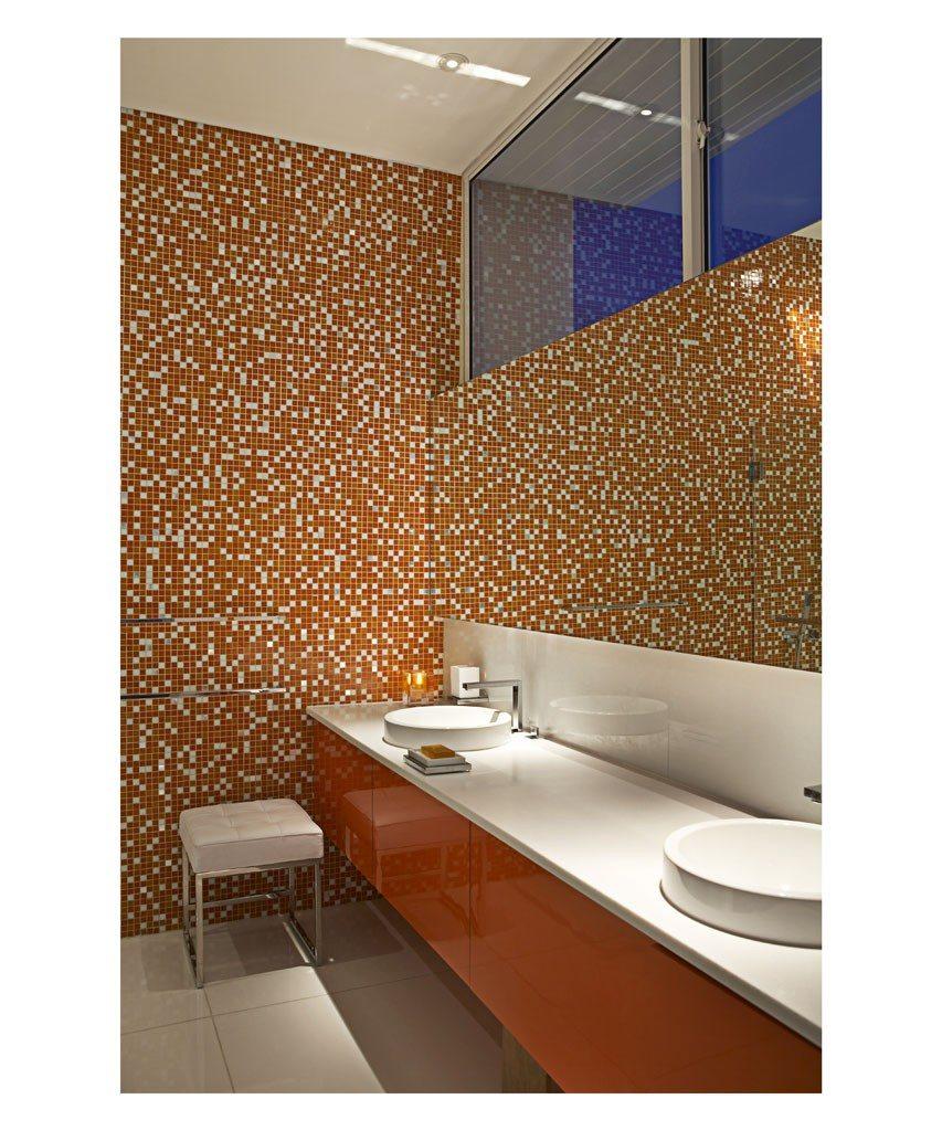 14-orange-bathroom-853x1024