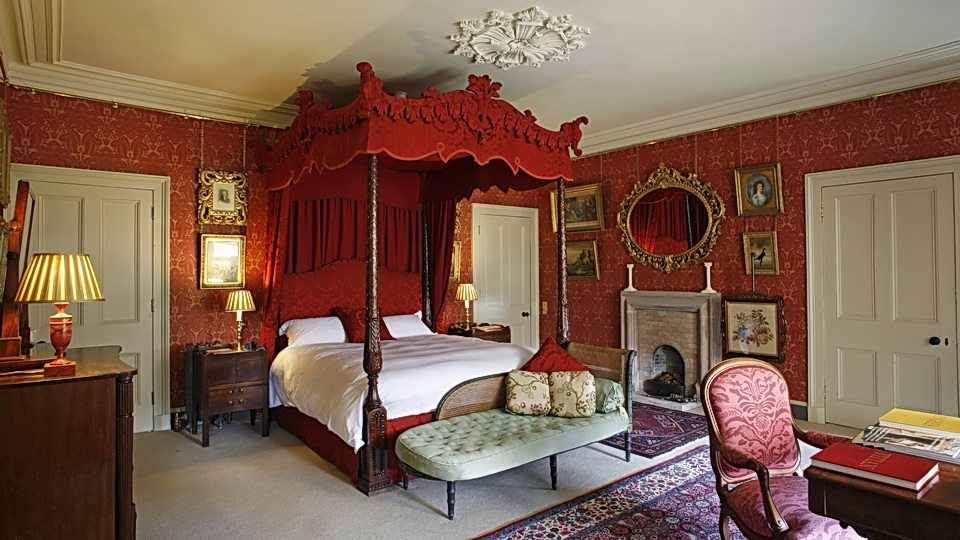 LTR-baronial-castle-bedroom