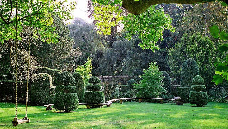 Bath-Manor-Garden-Bench