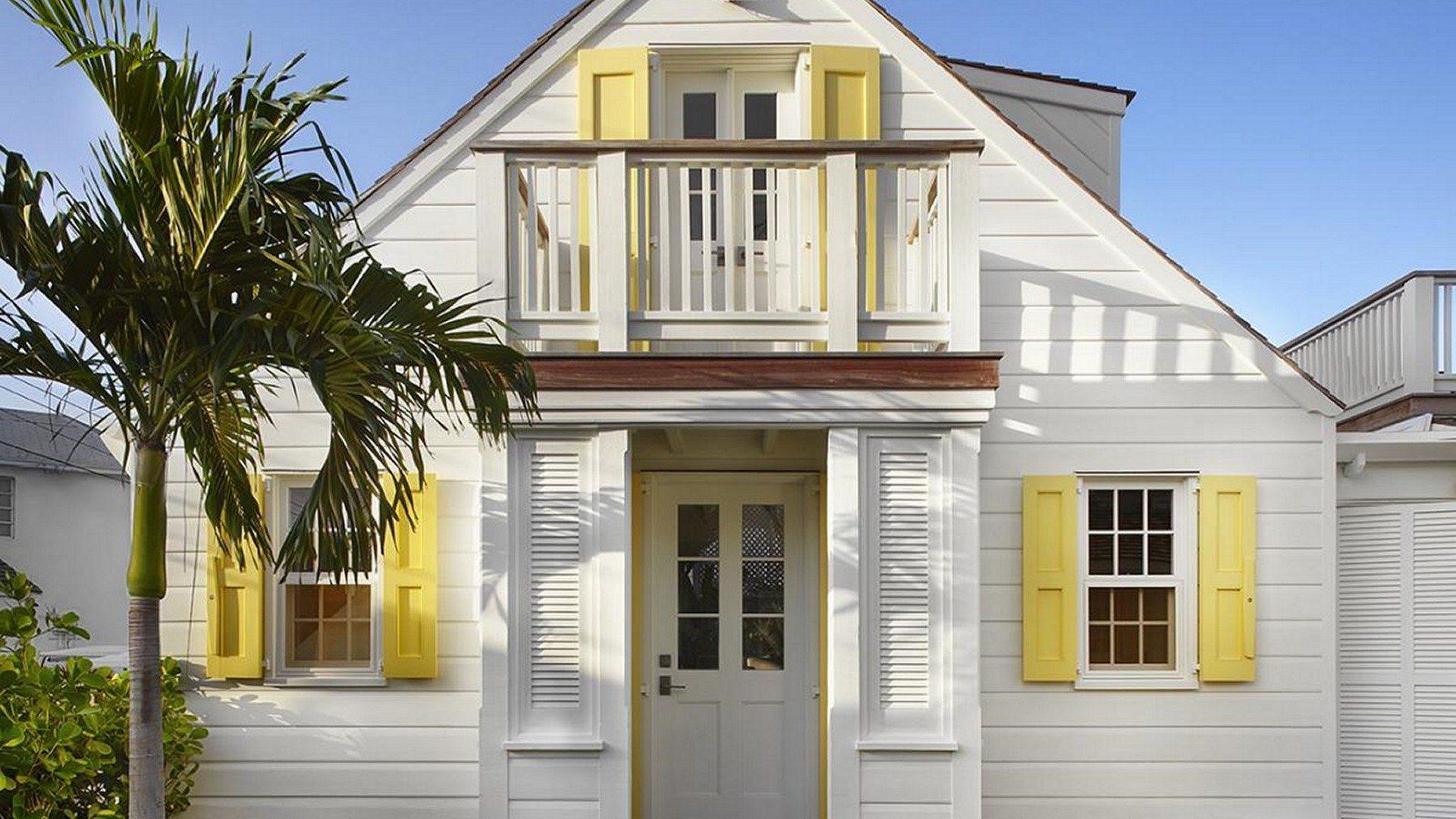 Allamanda-House-Exterior-Harbour-Island-Bahamas-Pamela-Murdock-Villas-UltraVilla