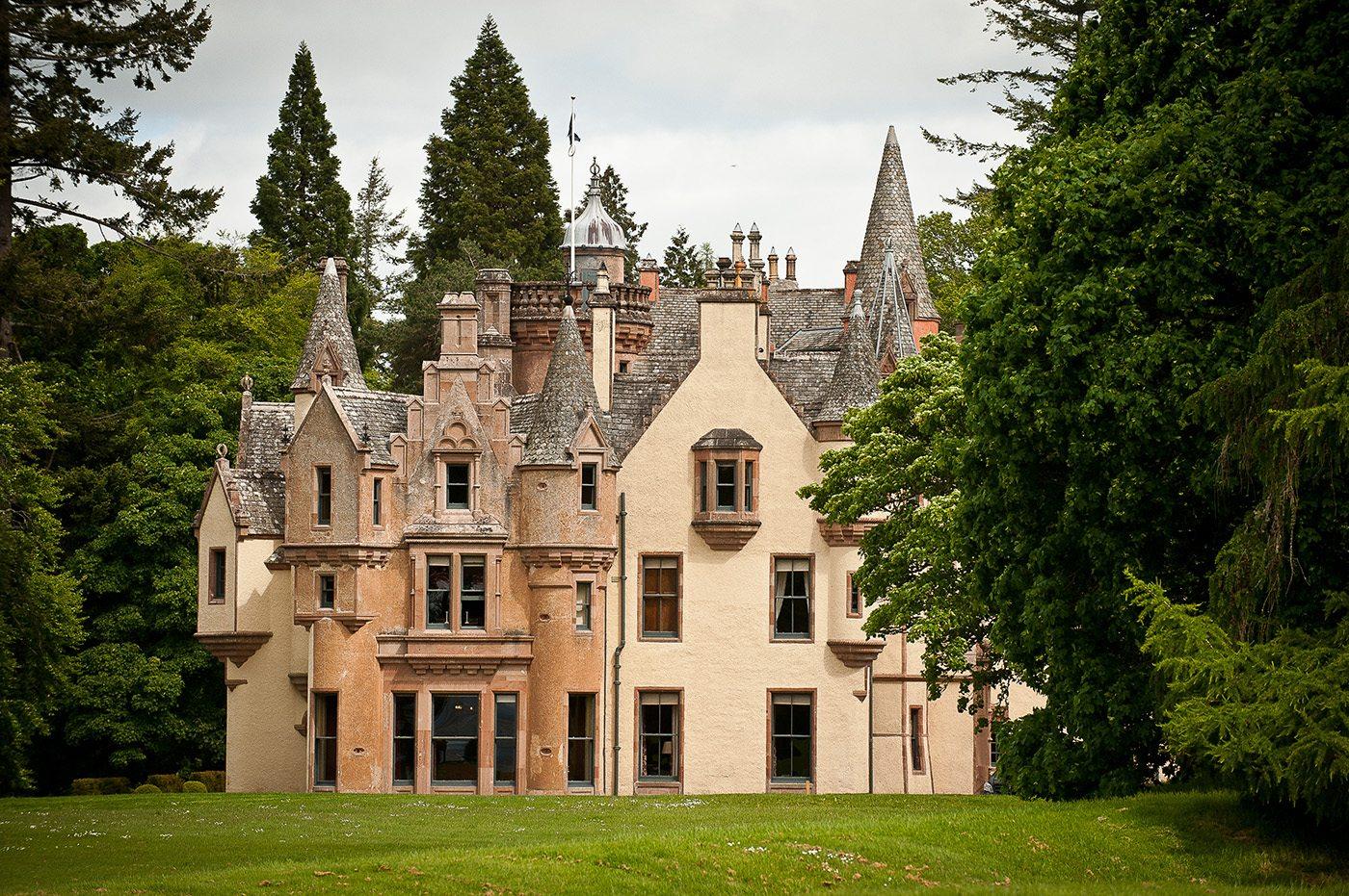 castle loch ness scotland