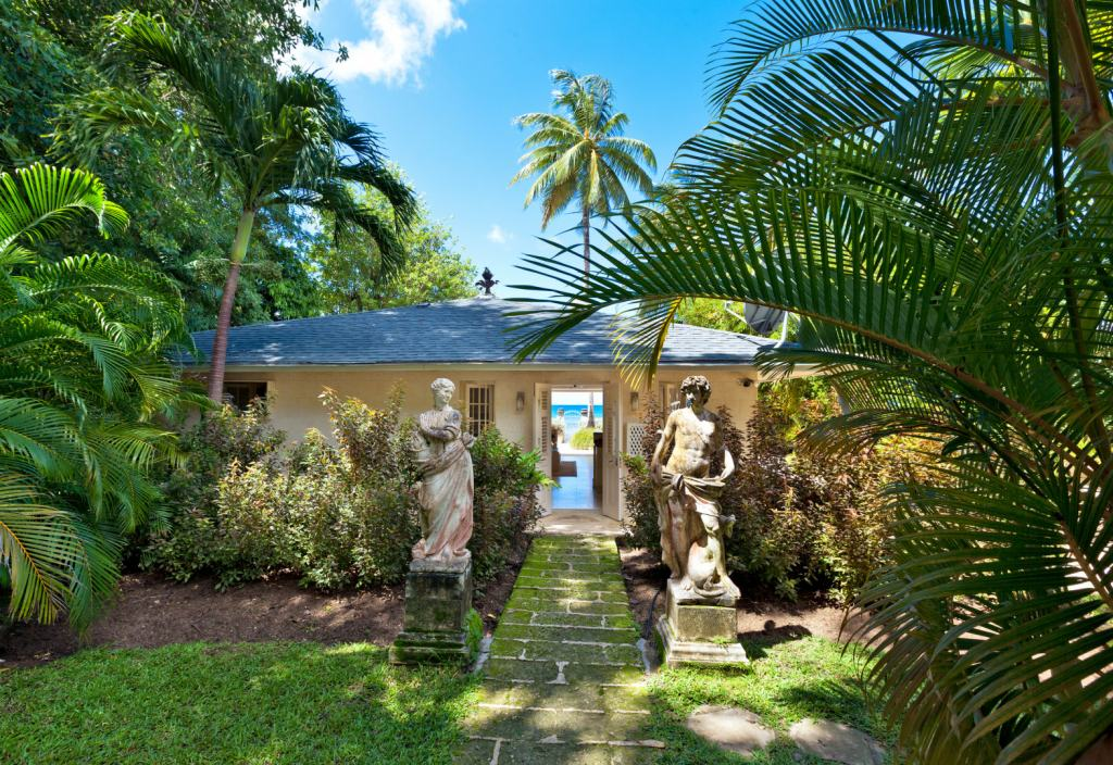 Leamington-Pavilion-Cottage-Front-Exterior-Bahamas-Blue-Sky-Luxury-UltraVilla