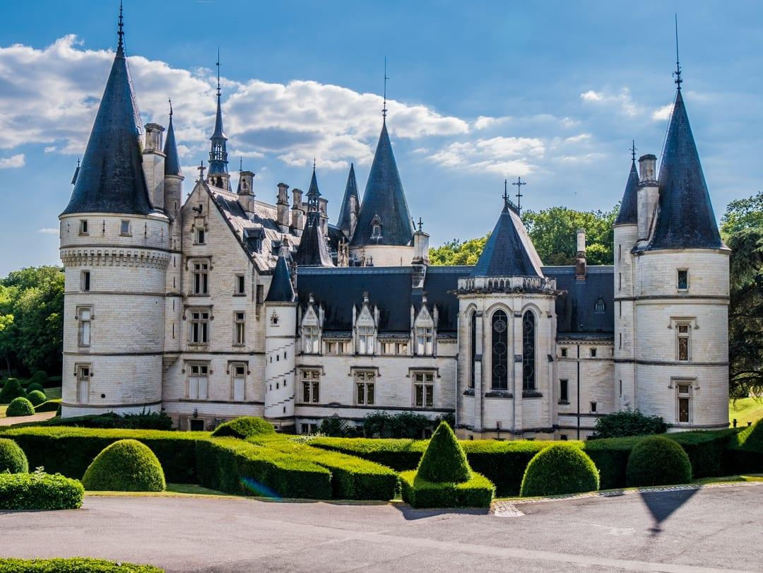 Private-Chateau-Upper-Loire-Barge-Lady-Cruises-UltraVilla