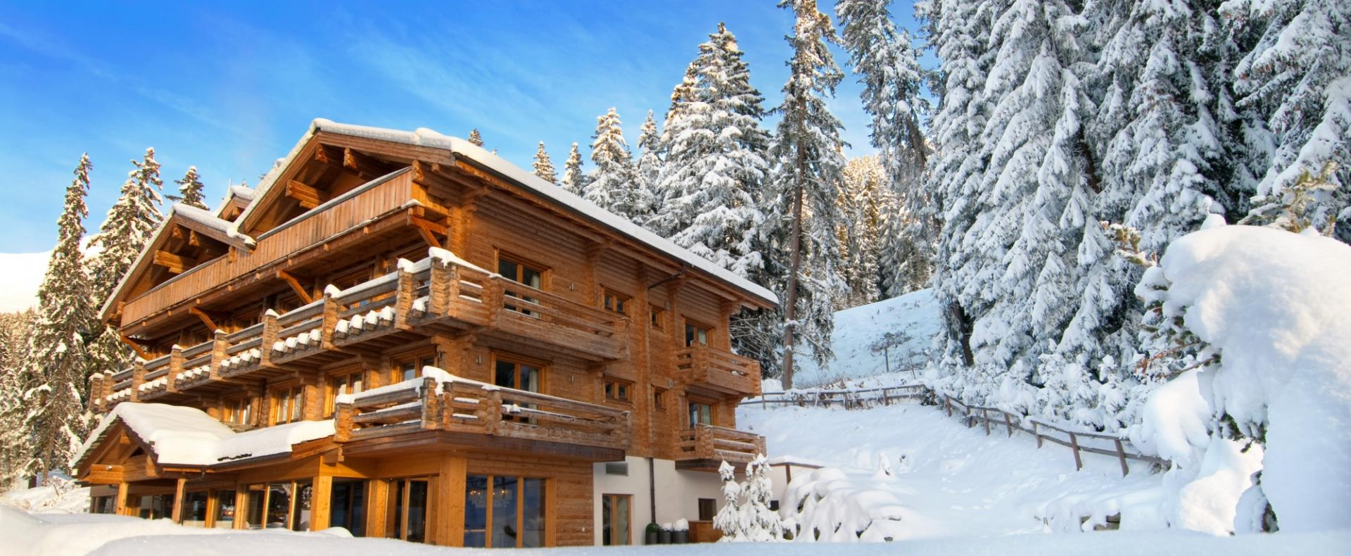 Exterior-The-Lodge-Verbier-Ultimate-Luxury-Chalets-UltraVilla
