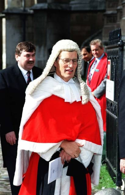 Top family law judge Mr Justice Bodey retires