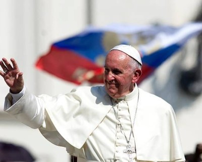 Pope Francis endorses offering sacraments to divorced and remarried Catholics