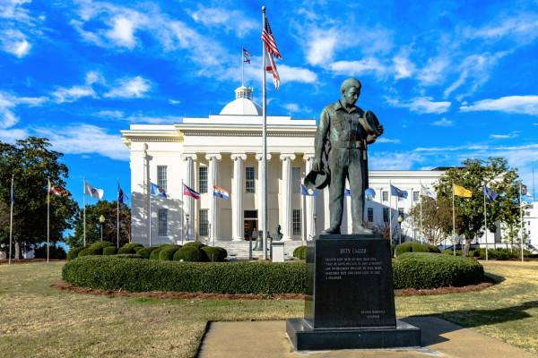Alabama Senate passes bill to eliminate marriage licenses