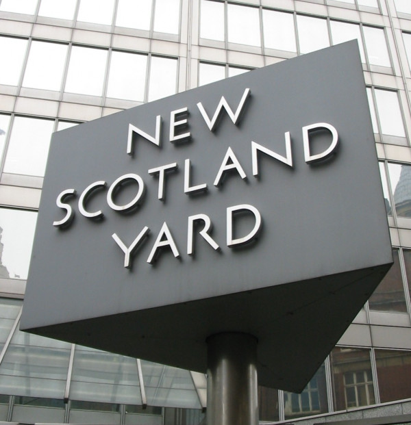 Case launched to press Scotland Yard into paying child support