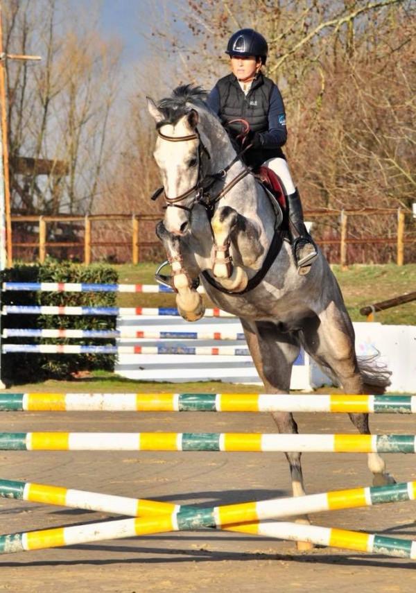 Sara Battista canters to victory at Associazione Ippica Atina