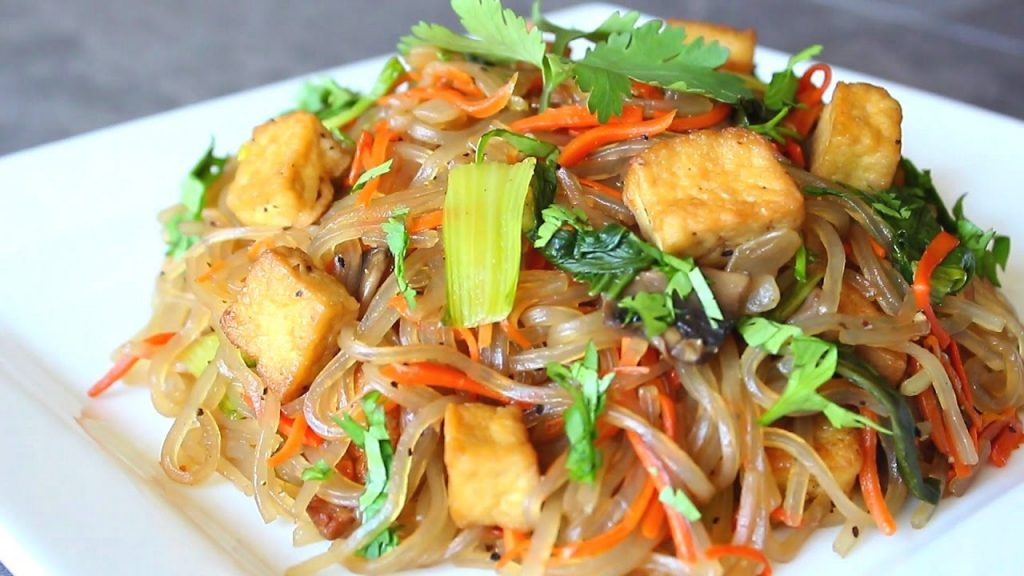 Stir Fry Noodles with Vegetables with Fried Tofu – Hu Tieu Xao – Cach lam Hu Tieu Chay