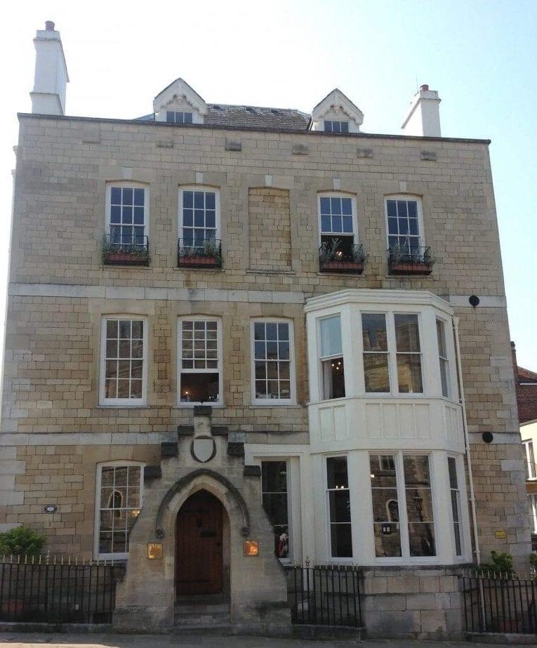 12 Castle Hill, Windsor