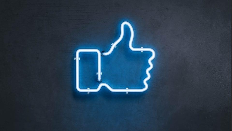 How-financial-brands-should-use-social-media-big-rock