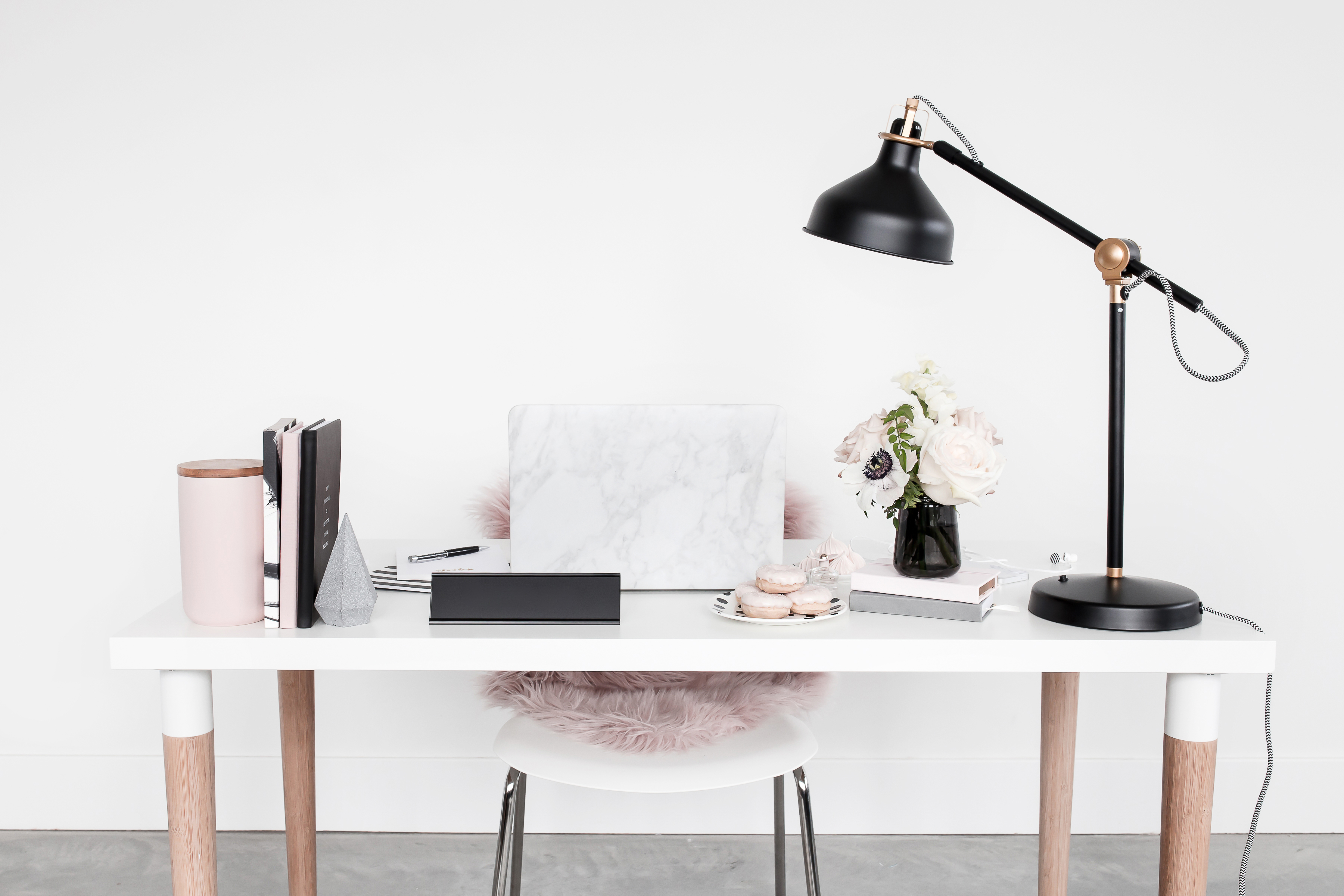 haute-chocolate-styled-stock-photography-muted-blush-black-workspace-15-final