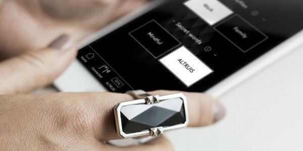 Vinaya smart jewellery, fashiontech, Internet of Things, Wolfpack Digital, tech startup, United Kingdom iOS developer