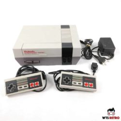 Nintendo NES (SCN) m. 2 gamepad og alle kabler.