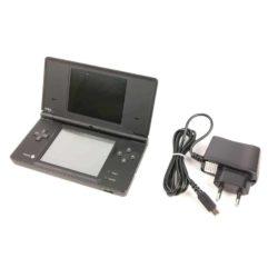 Nintendo DSi (Sort) m. oplader