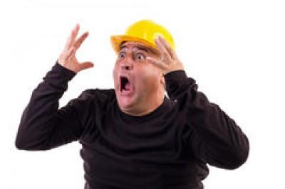 Scaring People At Work! Tradesmen play Peepo