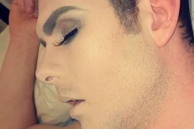 Plumber Boyfriend Wakes up in Makeup