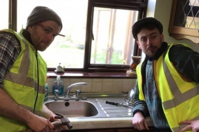 Lazy tradesmen more interested in cups of tea than work star in hilarious new Irish video series