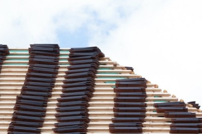 Roofer Takes Payback to New Heights by Repossessing Entire Roof