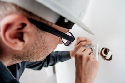 6 Simple Electrical Maintenance Tips