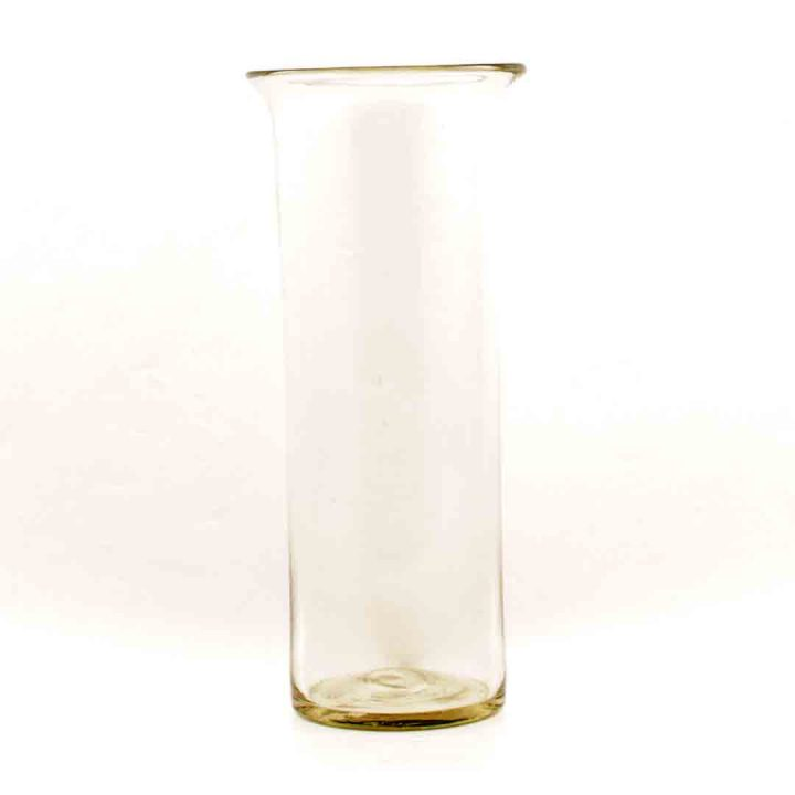 Clear vase with lip